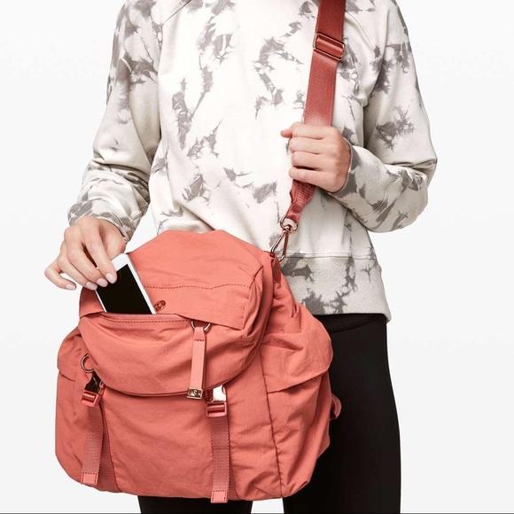 lululemon back to me bag 8.5L
